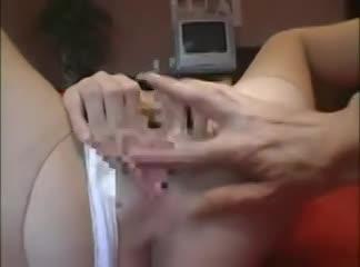 淫乱の素人女性の無料syukan動画。若いころ散々遊んでいたばかりか、結婚後もお盛んな淫乱妻